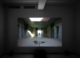 Picture of the installation of Lydia Debeer's videowork 'Undertaker' at the expo Rumour Has It, Marres Currents #2, Marres Maastricht.